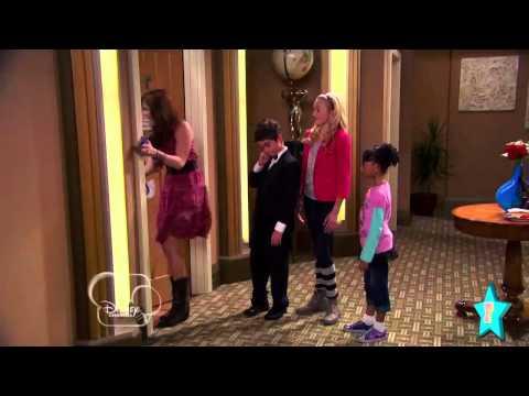 Behind The Scenes of Disney's Jessie with Debby Ryan!