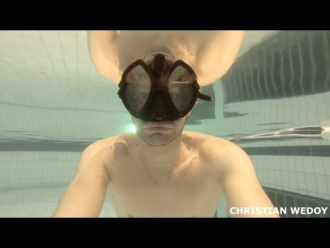 How to hold your breath underwater