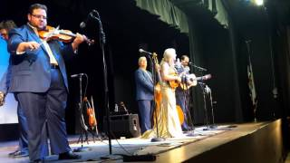 Rhonda Vincent and The Rage/ The Old Rugged Cross