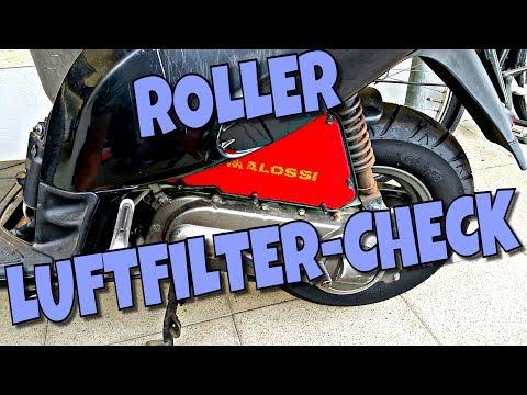 Der Aufwand des Benzins auf dem Moped das Alpha