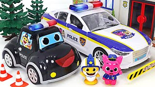 Baby Shark Pinkfong! A Pinkfong police car dispatched! Catch the villains!   PinkyPopTOY