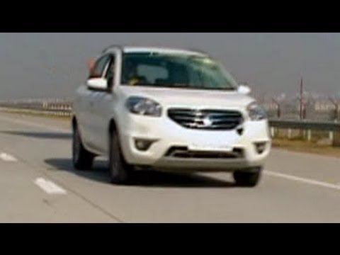 Varun heads to Agra in the spanking new Renault Koleos