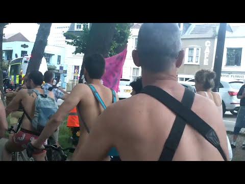 男女混合ヌードサイクリング大会の現場映像!!全裸の女の子たちが丸見えでイエーイ!! - おもしろメディアBOX 動画・画像 ニュースまとめ