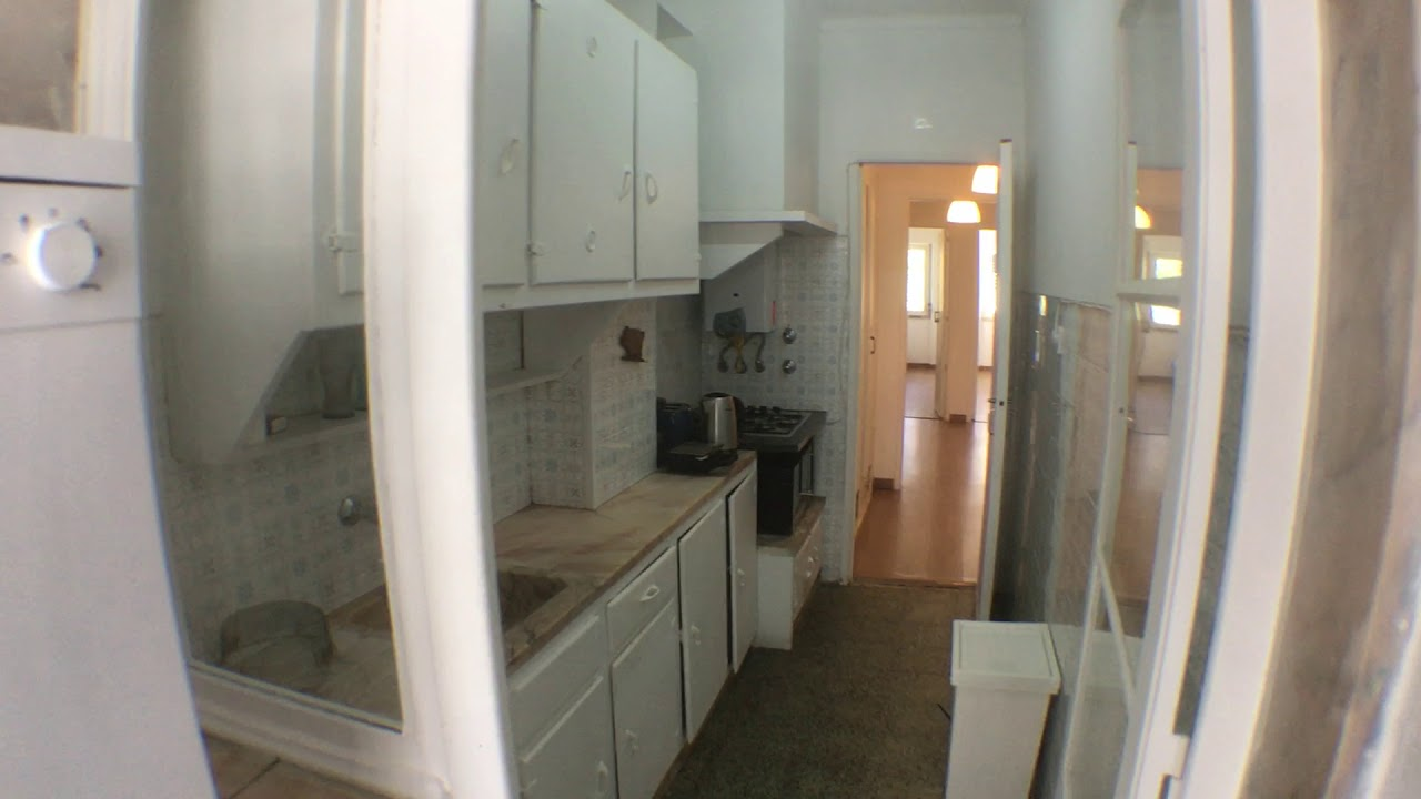 Double bed in Rooms for rent in nice 3-bedroom apartment in São Domingos de Benfica