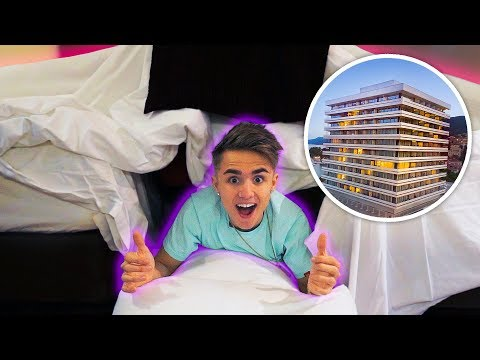 AWESOME HOTEL ROOM FORT!!