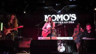 "Abra Moore ""Sugarite"" Live at Momo's Austin, TX 9-16-10"