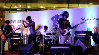Live At R-City Mall - mommysnothome