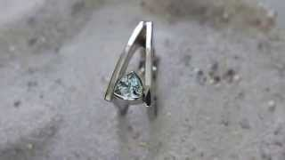 preview picture of video 'Ring Silber mit Aquamarin'
