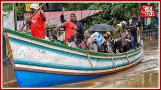 Kerala Floods: सड़क पर तैरती नाव, सैलाब में फसा इंसान !