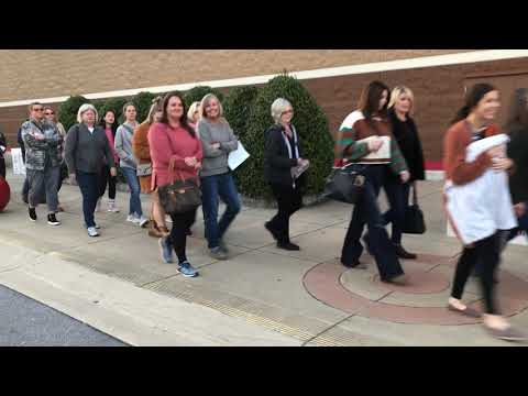 Video: Target lines moves into store Thanksgiving Day 2019