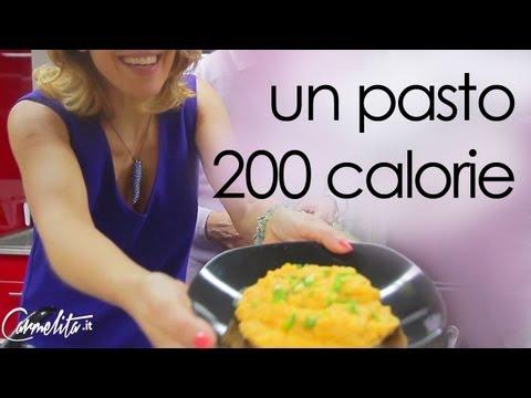 La dieta per riunirsi in uno stomaco e parti senza crescere sottile