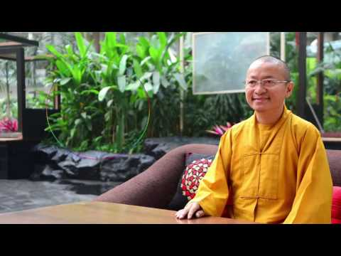 Vấn đáp: Kinh điển Phật giáo nguyên thủy và phát triển, hành trì kinh và chú, Phật tử và hầu đồng - tứ phủ, nhất quán đạo, niệm danh hiệu nào trong chùa, đạo bác Hồ