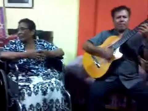 JUAN VALVERDE EL UNICO ARGUMENTANDO EN FAMILIA