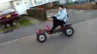 preview picture of video 'pedal go-kart attempts to drive on two wheels'