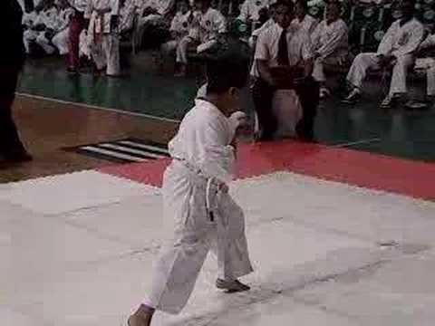 Watch video Sindrome de Down: Karateka