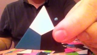 Демонстрация треугольного домино Eckolo компании Remember