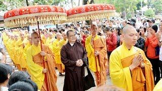 Hơn 100 chư Tăng chùa Hoằng Pháp lắng nghe LỜI ĐẠO TỪ quý báu của HT Thích Minh Chơn.