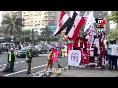 خروج المواطنين من ساحة صلاة العيد بمسجد مصطفي محمود
