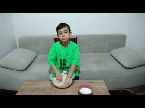 ulaş diyor ki, erkekler de babalar da hem kurabiye yapar hem de tamir yapar