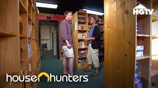 Tiny House Hunters: A Book Lovers Tiny House | HGTV