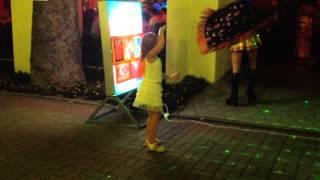 Танцы у кафе Тополь на набережной п. Лазаревского