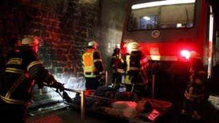 preview picture of video 'Katastrophenübung im Eisenbahntunnel bei Zierenberg'