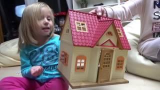 Николь и Алиса распечатывают игрушки. Часть 3. Бабушкины Сказки.