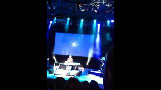 """Howard Jones - """"Specialty"""" (live 2011)"""