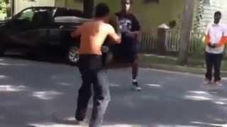Боксер против Муайтай. Видео уличная драка