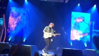 Ed Sheeran - Hit Me Baby One More Time (live) in Vegas