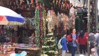 Jelang Perayaan Natal, Berbagai Pernak-pernik di Pasar Asemka Mulai Diburu