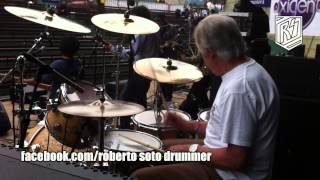 The Beatles Original Drummer - Pete Best In Lima Part Two - My Bonnie