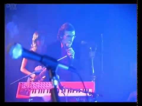 Charly García video Cerca de la revolución - Roxy - Mar del Plata 2002