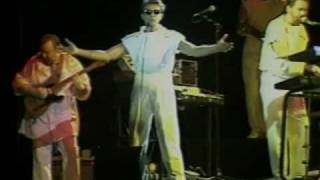 Chicago (band)- We Can Stop the Hurtin'- LIVE 1984
