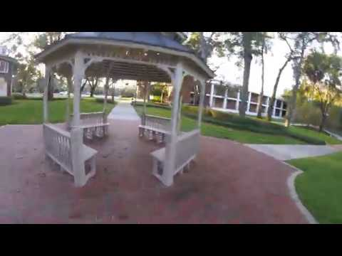 stetson-university--hollis-courtyard