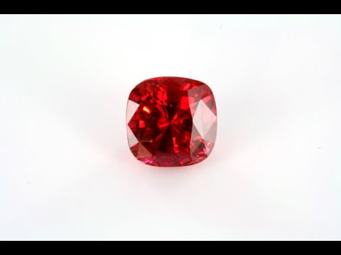 Colored diamonds of Borneo documentary of Patrick Voillot