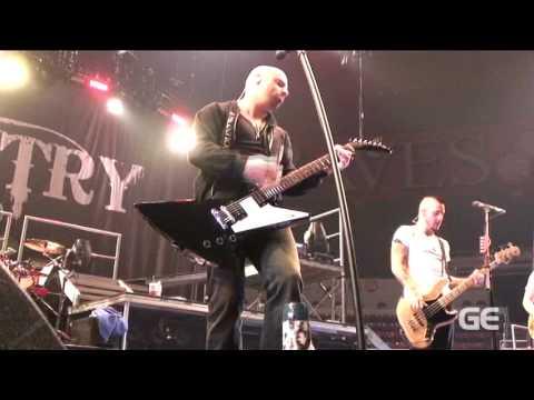 Daughtry-Breakdown Live HQ (GuitarEdge.com)