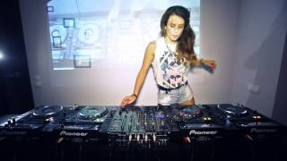 Juicy M – Mixing on 4 CDJs vol.2