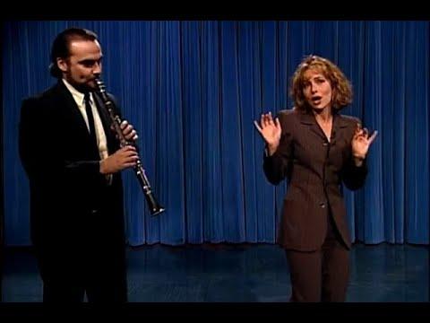 """Jennifer Grey Sings """"Duvid Crockett"""" – """"Late Night With Conan O'Brien"""""""