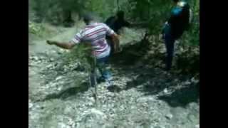 preview picture of video 'BAJANDO DE LA CRUZ, SEMANA SANTA 2013 EN OCOA'