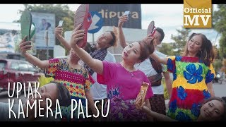 Gambar cover Upiak - Kamera Palsu (Official Music Video)