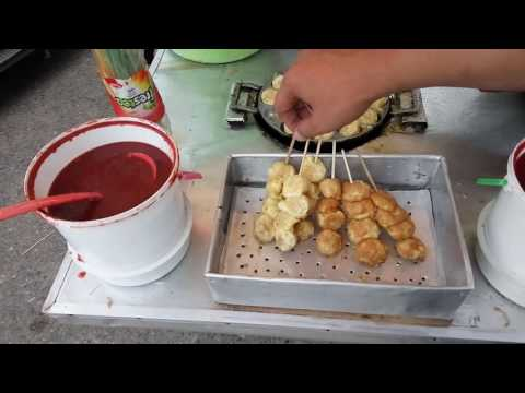 Video Kuliner jajanan anak kecil di Kalimantan Tengah, Pentol goreng telur