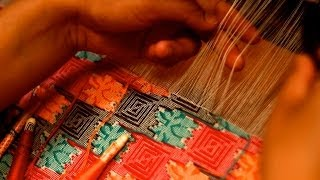 preview picture of video 'Making handwoven DHAKA fabric in Nepal • ढाका'