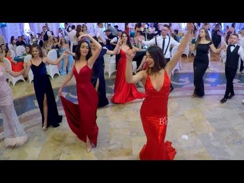 Maturantet konkurojne njeri - tjetrin ne kercim me Klasa - Video shume interesante