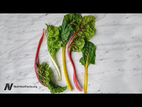 גורמים לאבנים בכליות: אילו ירקות ומאכלים מסוכן לצרוך בכמויות גדולות?