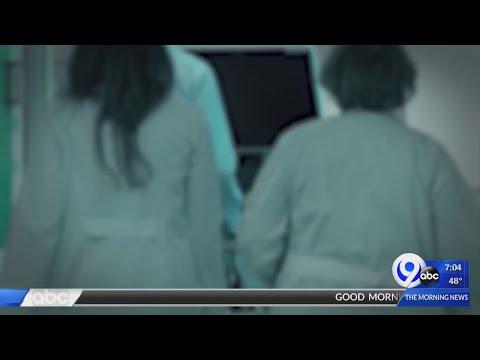 Nurses union 'condemns' new mask guidance