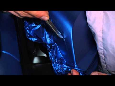 Easy application of 3M™ Scotchprint® Wrap Film Series 1080