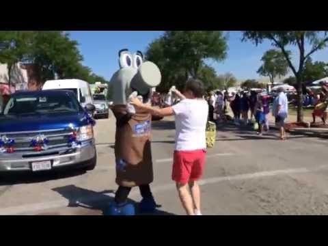 Arnie gets his groove on at the Maumee, Ohio annual parade - he even gets a dance partner! Check out our events page to learn about all of our upcoming events.