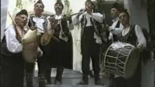 """Pavle mi pie"" - Macedonian Folk Ensemble ""Kitka"""