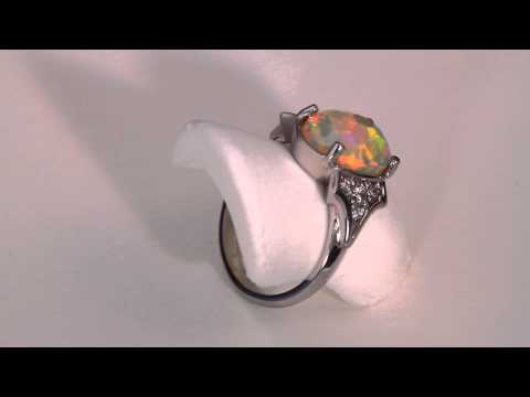 Opal & Diamond Ring 2.21 Carat